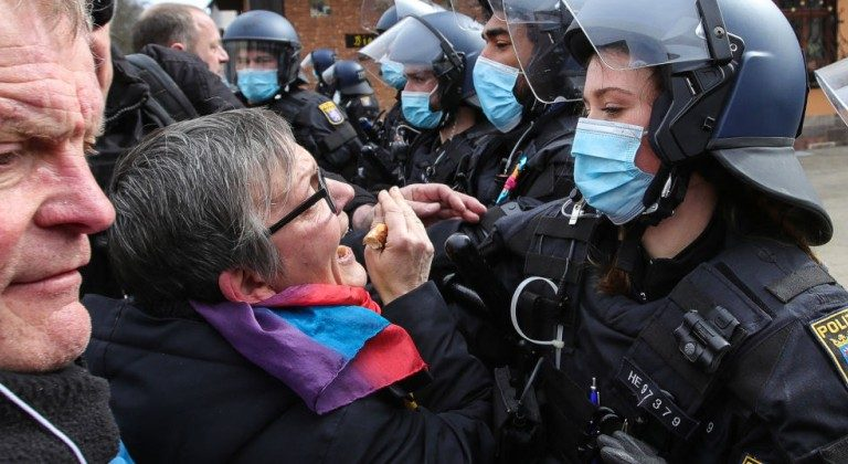 Le chef du syndicat de la police allemande a-t-il demandé l'interdiction des manifestations anti-Lockdown ?